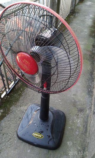 中壢中原大學16吋的電風扇