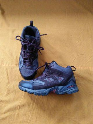 Columbia boots hiking original