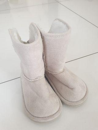 Boots Winter HnM size EUR 23