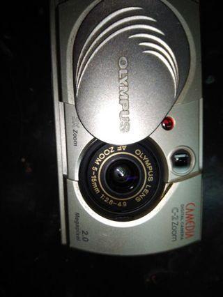 數位 Olympus 傻瓜相機 兩台 電池 可用AA