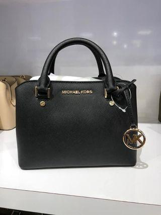 MICHAEL KORS SAVANNAH SMALL SATCHEL CROSSBODY BAG IN BLACK