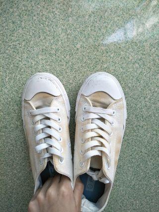 可愛氣質小白鞋💫👟