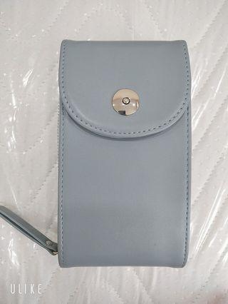 天藍小舖-簡約單釦皮革手拿包/手機包(藍)(無掛繩)