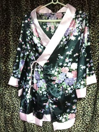 日式睡衣 性感角色扮演 亮粉絲綢布料 浴袍 上衣