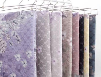 Hydrangea Buttoscarves New with box
