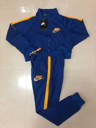 Nike鮮豔復古低腰套裝