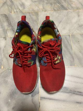 Nike 慢跑鞋