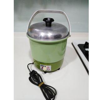 聖火牌三人份電鍋包含不鏽鋼內鍋( CY-280A)