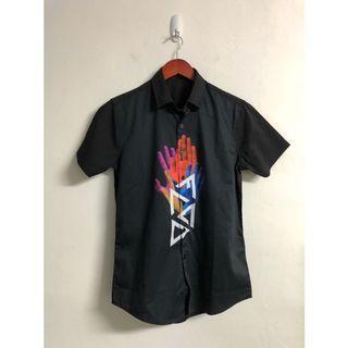 嘻哈風黑色短袖襯衫
