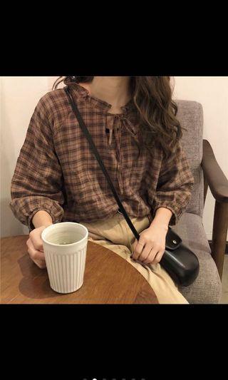 復古拼色棕咖格紋荷葉領抽繩襯衫
