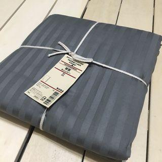 無印良品 MUJI 印度有機棉緞面織條紋 深灰 SD