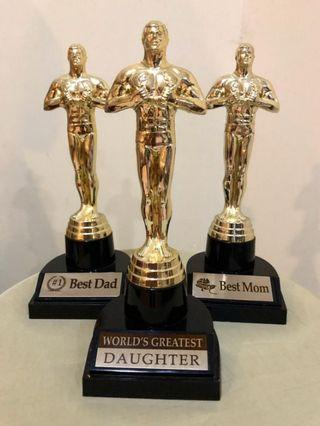 Oscar statuette set of 3 display