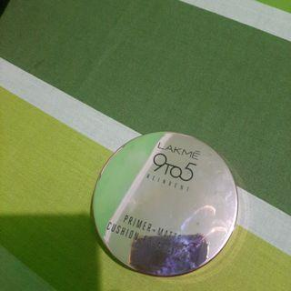 Lakme 9 to 5 reinvent primer + matte cushion foundation