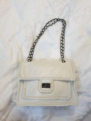 White sling/shoulder bag