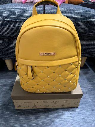 黃色菱格後背包 大容量 全新300$