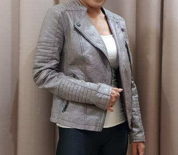 C&A outwear jaket kulit