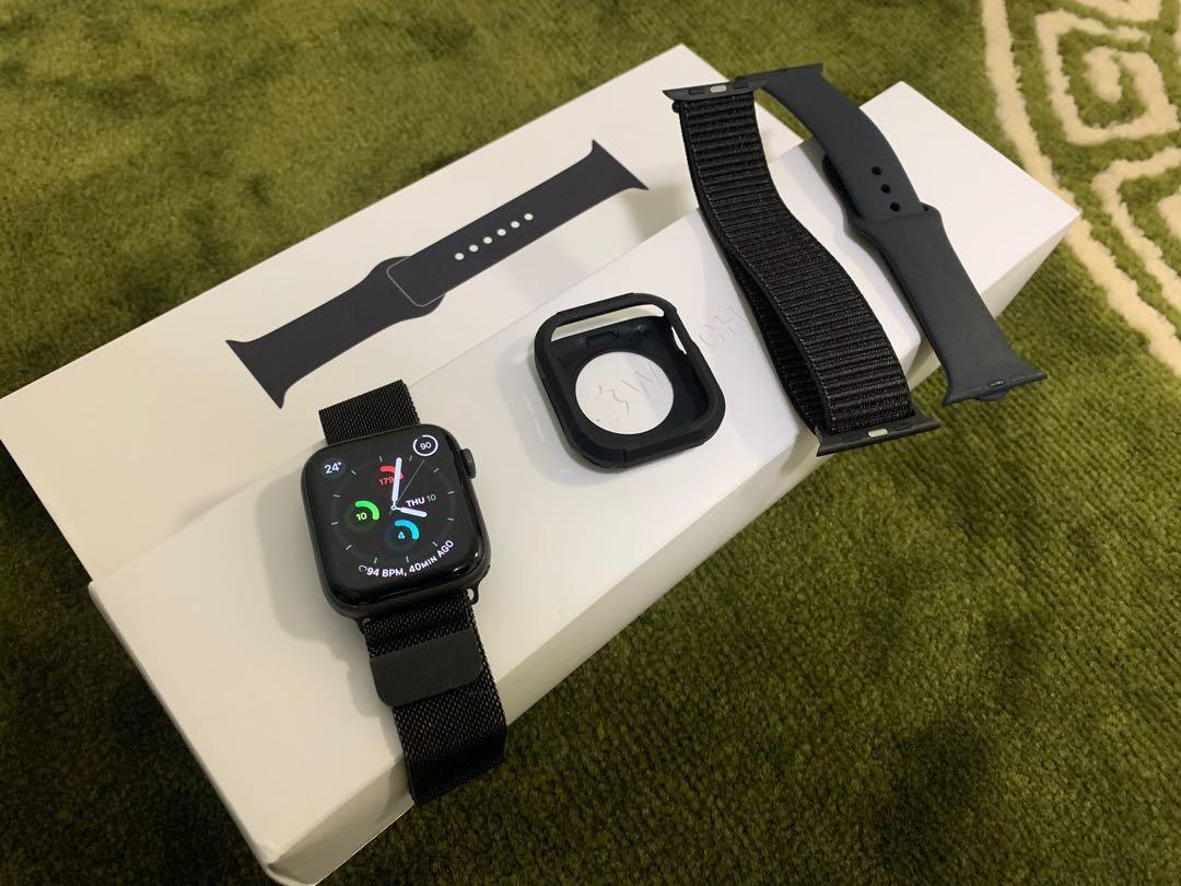 Apple Watch 44mm series 4 space grey