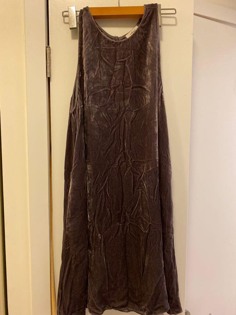 Aritzia Wilfred velvet fit and flare dress size small