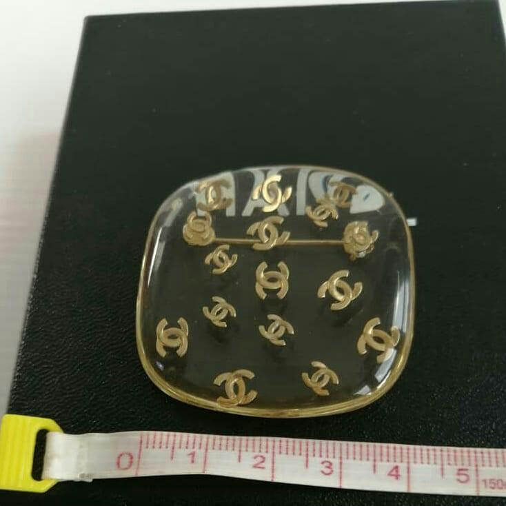 AUTHENTIC CHANEL CC LOGO BROOCH - GOOD CONDITION - (CHANEL BROOCHES NOW RETAIL AROUND RM 5000+)