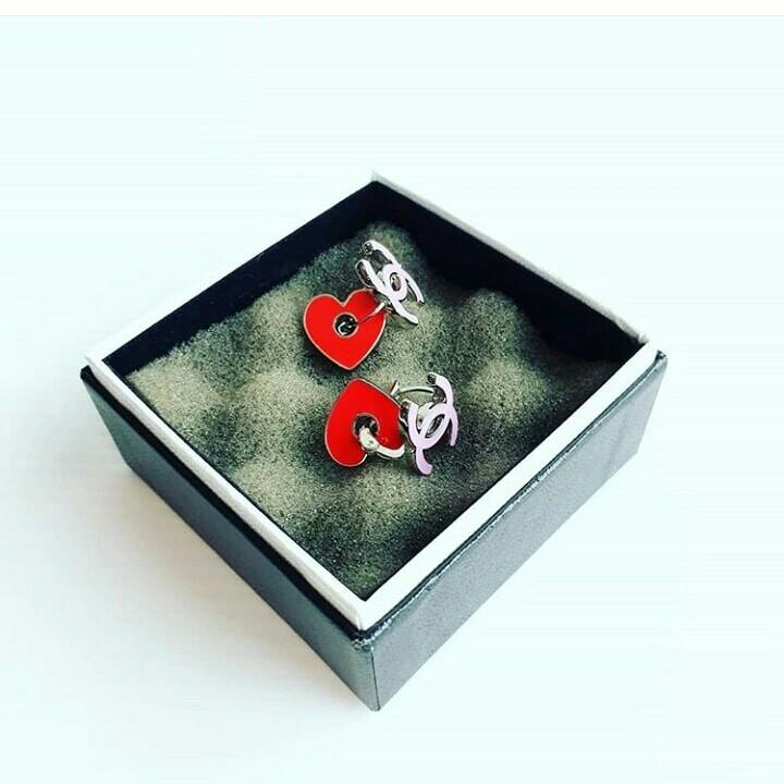 AUTHENTIC CHANEL CC LOGO HEART EARRINGS - GOOD CONDITION - WITH BOX - (CHANEL CHARM EARRINGS NOW RETAIL AROUND RM 3000+)