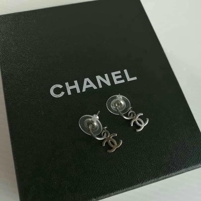 AUTHENTIC CHANEL CC LOGO SILVER HARDWARE EARRINGS - GOOD CONDITION - (CHANEL EARRINGS NOW RETAIL AROUND RM 3000+)