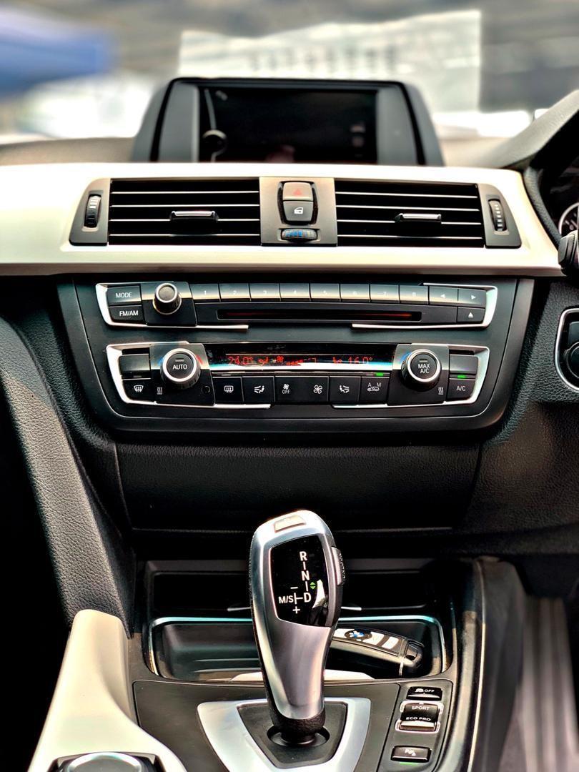 BMW F30 316i 1.6