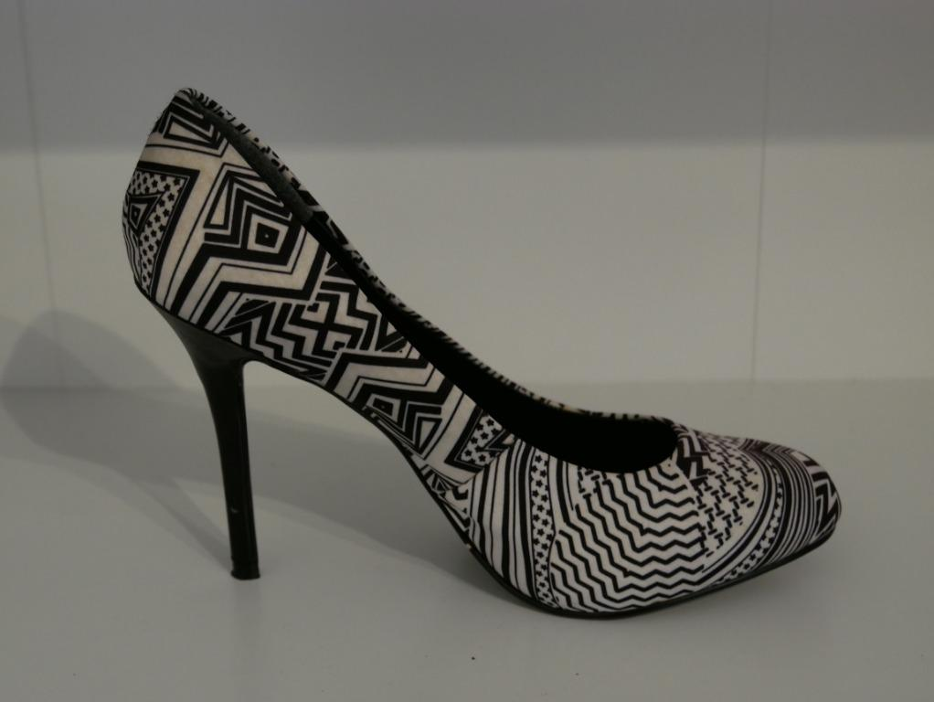 Charles & Keith Black & White Patterned Heels Size 36