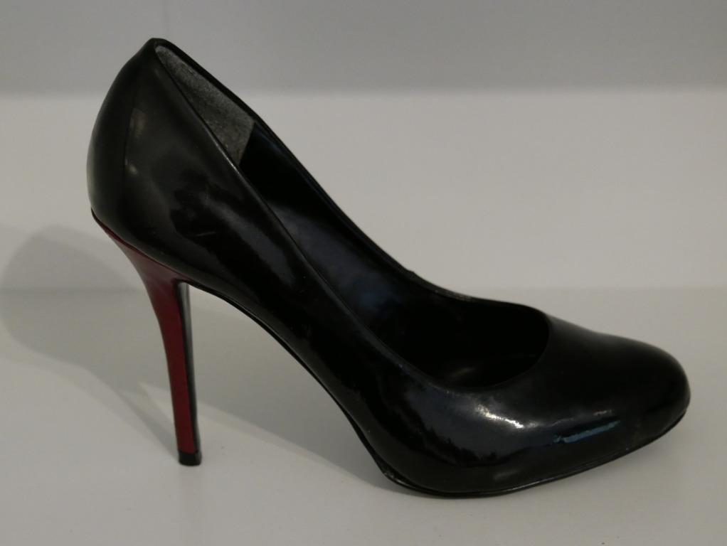 Charles & Keith Black Pumps with Maroon Heel Size 36