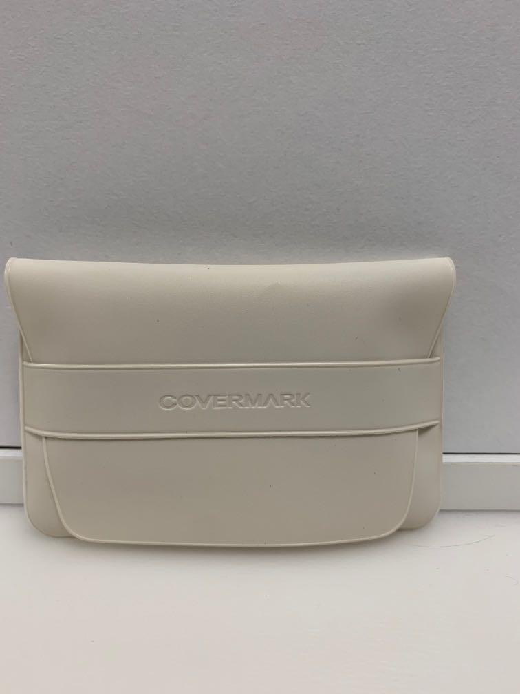 Covermark sponge + case