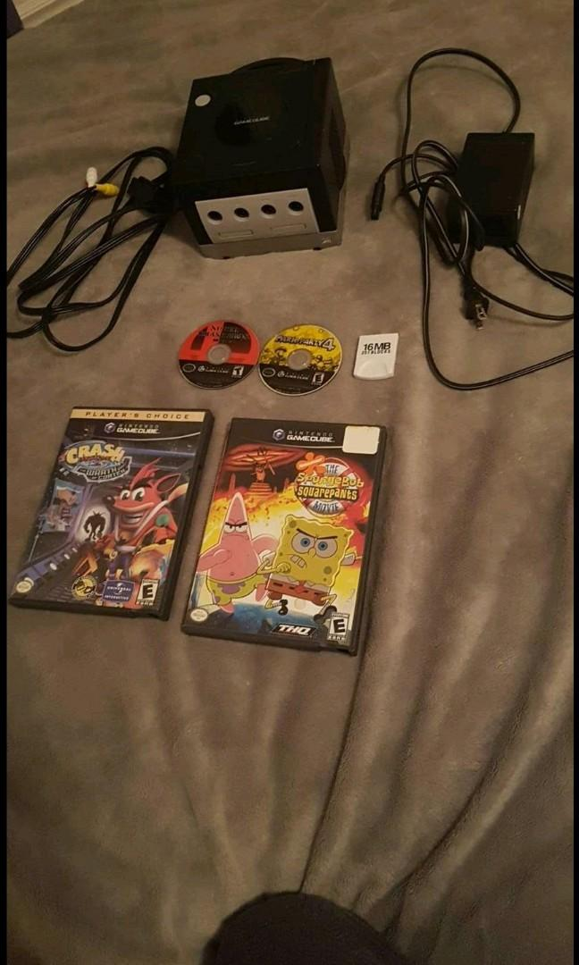 GAMECUBE Lot ( I WILL ACCEPT TRADE OFFERS! 4 Games, No Controllers, Has All Power Connections )