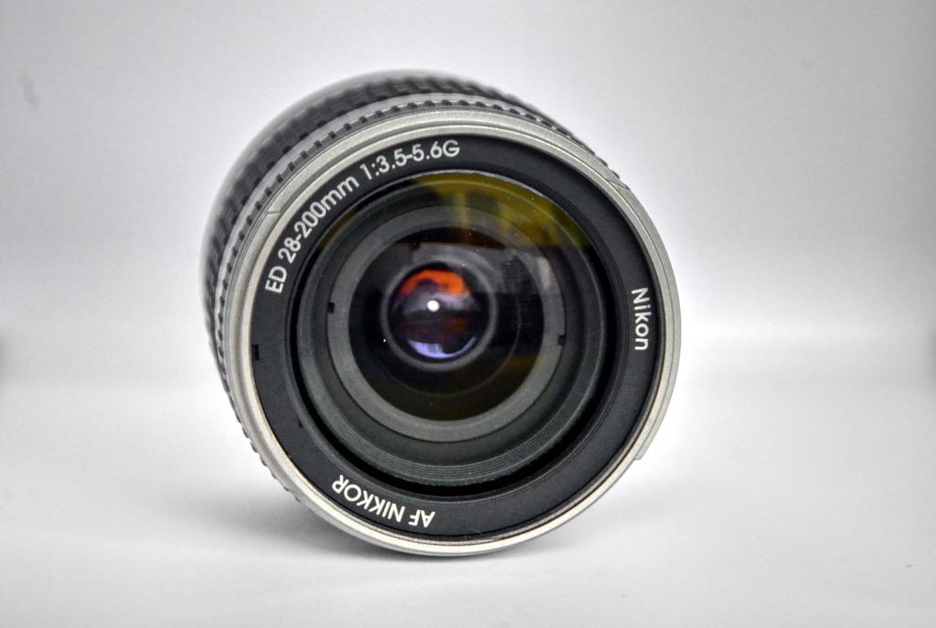 Nikon AF 28-200mm F/3.5-5.6G ED Nikkor Lens