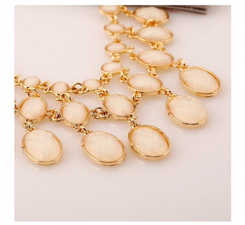 Ravishing Elegant Oval Beads Statement Necklace #38