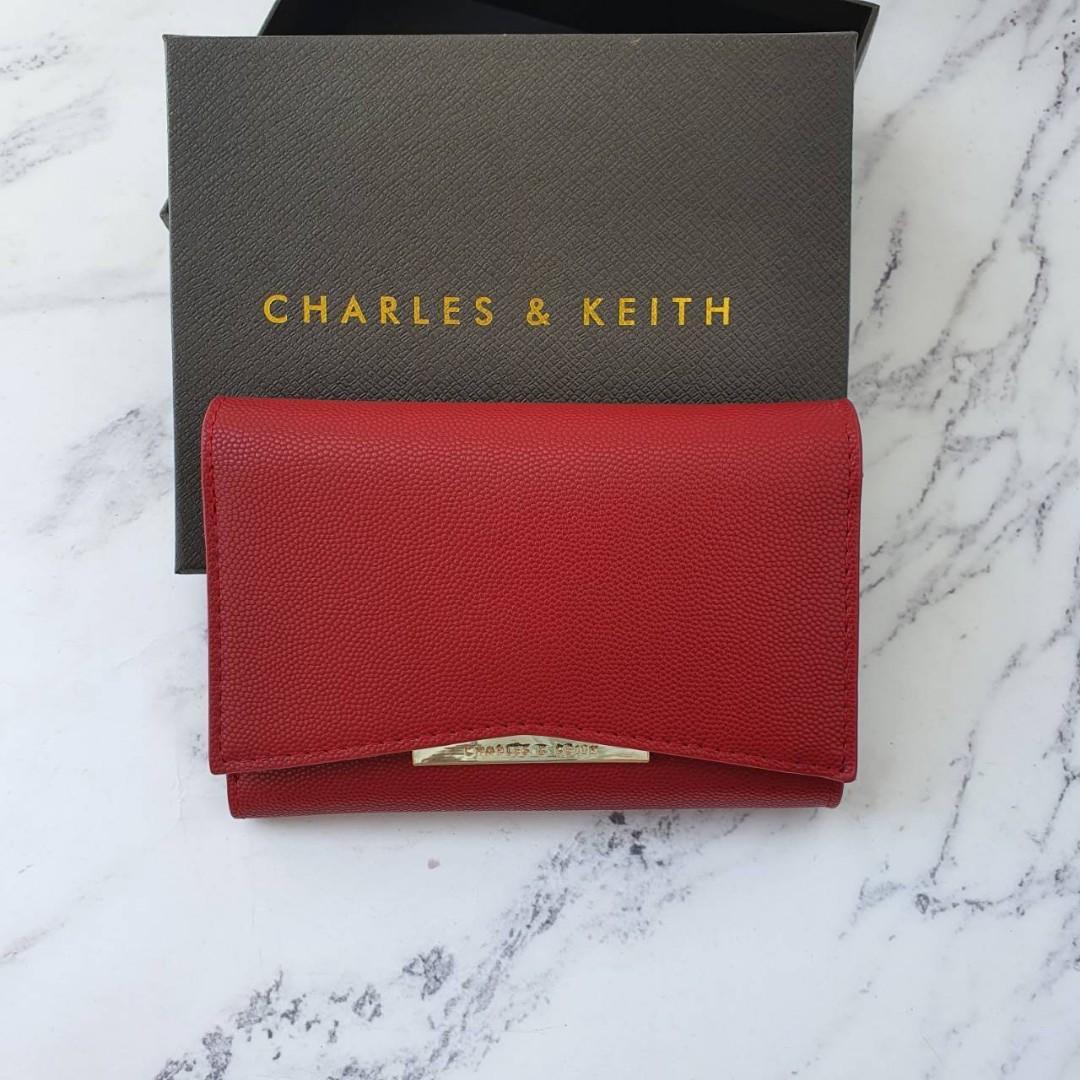 SALEEE!! C412 Charles n Keith wallet original