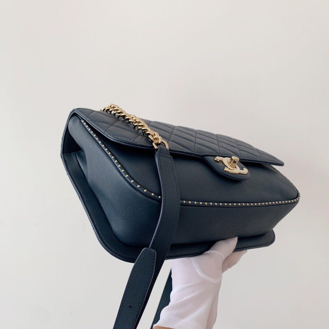 Super Gorgeous Chanel Caviar Flap