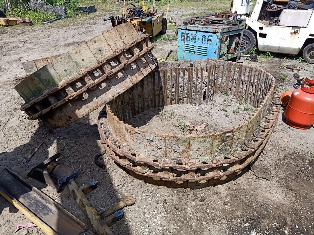 track link assembly for backhoe excavator. track link with track shoe