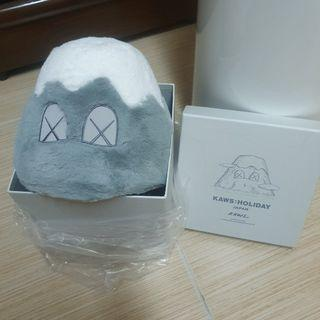 kaws Japan holiday 日本限定灰色富士山