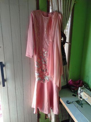 Gaun / outfit kondangan / gaun puthic