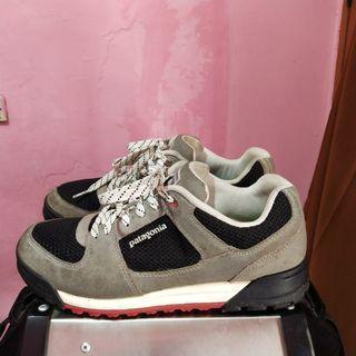 sepatu outdoor second patagonia atau sepatu gunung bekas