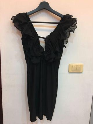黑色萊卡洋裝+Topshop綠色平口洋裝