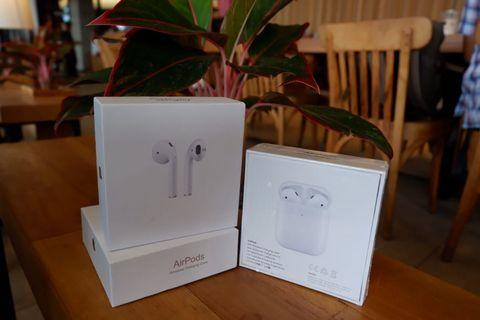 AirPods 2 with wireless chagering