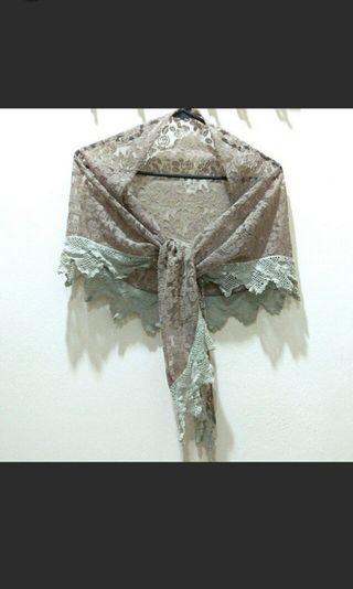 Vintage lace shawl #1010