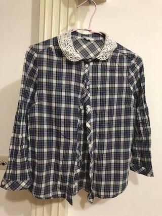 二手_共兩件,NET蕾絲領口薄長袖上衣,尺寸:4號;Lativ_短袖格子上衣,尺寸:M號