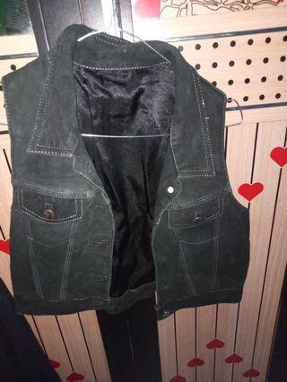 Jaket kulit suede