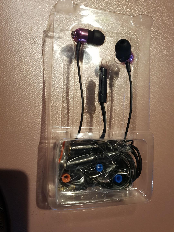品牌耳機非常好用只此一個唷