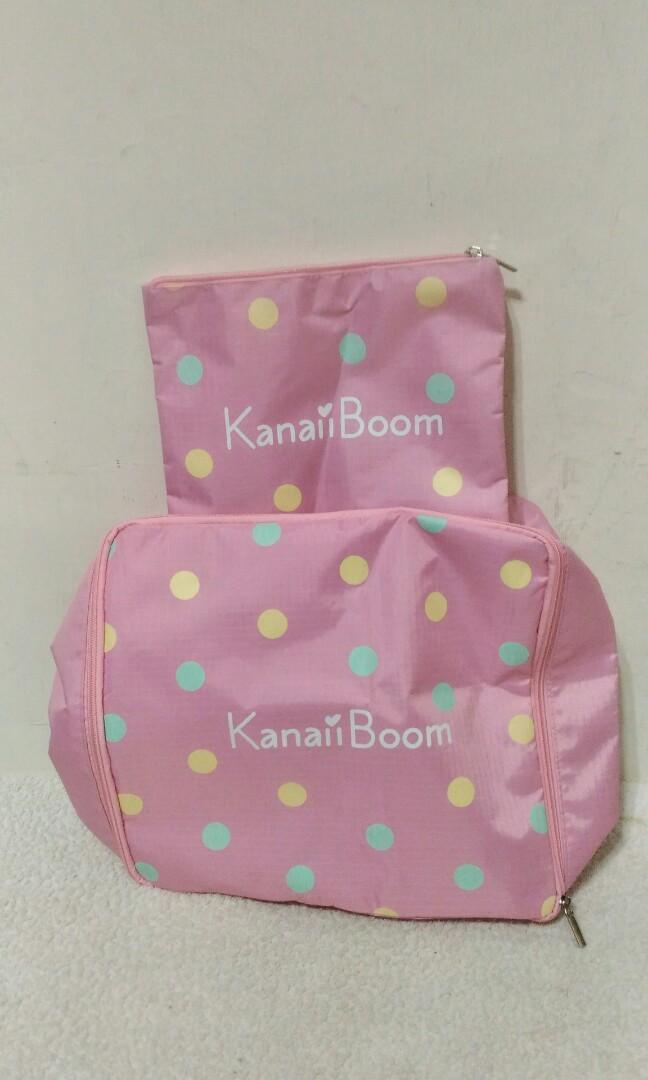 全新~ 日本品牌 Kanaii Boom 粉紅色 防水 尼龍塑料 子母袋 二個 (萬用包/袋)