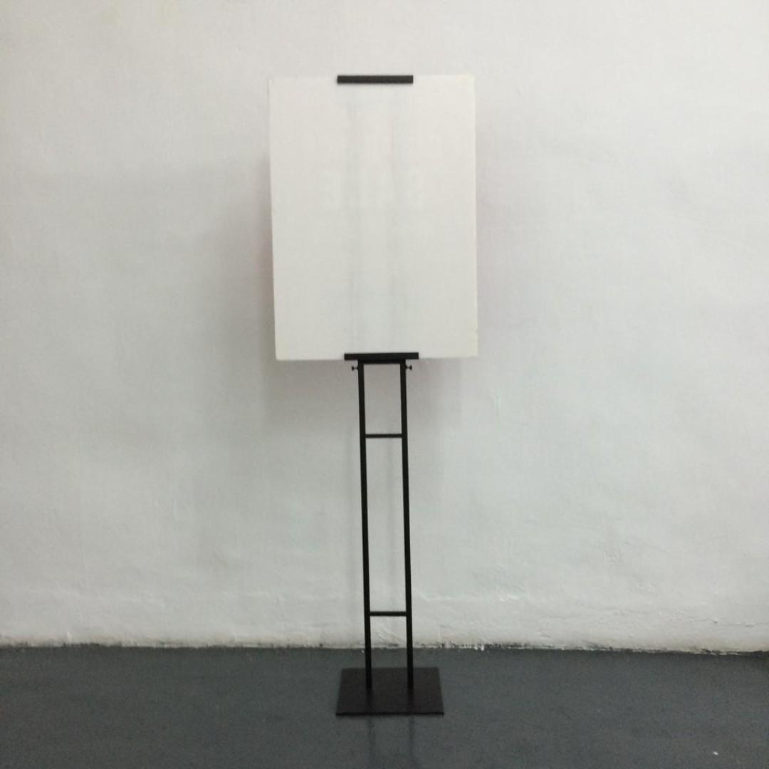 DISPLAY STAND.  WHOLE LENGTH 177 cm.