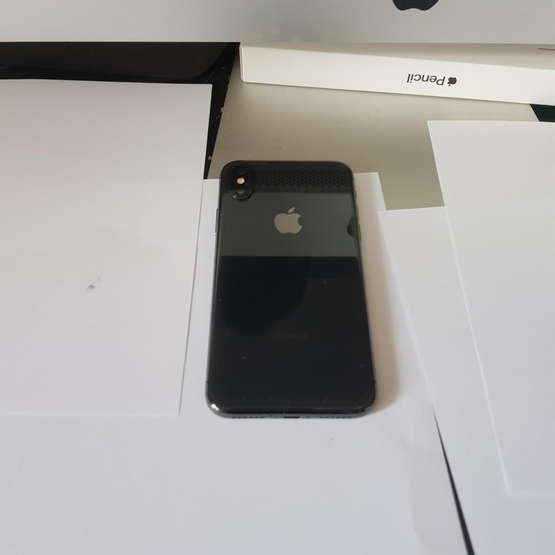 iPhone X Full set Excellent Condition