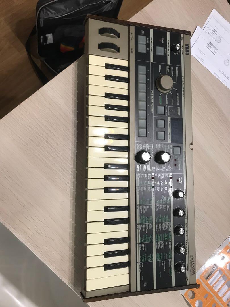 Korg Microkorg synthesiser