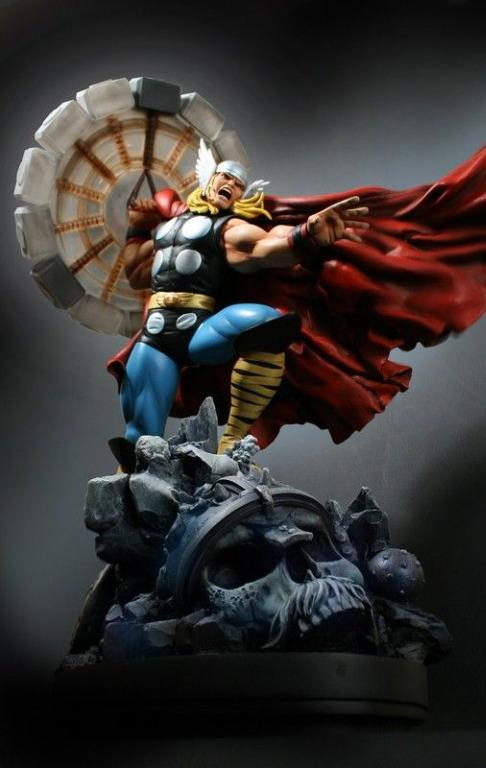 Marvel Thor Polystone Statue Classic Action Comic Costume by Bowen