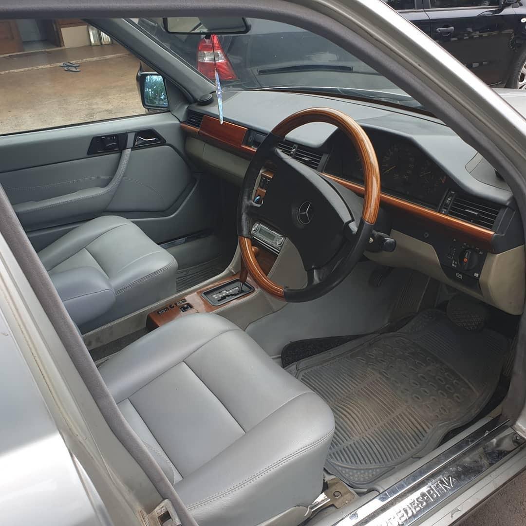 Mercedes Benz 300E W124 th. 1990 A/T Electric seat